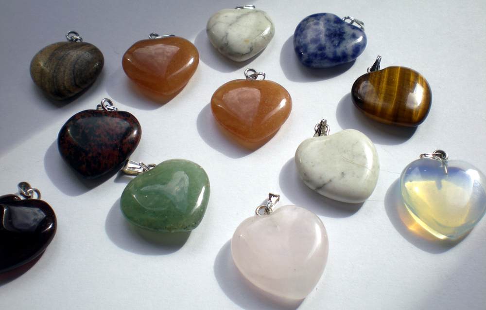 Stone heart pendants in different colours